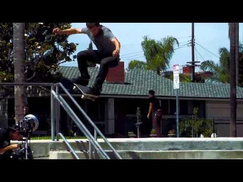 Дэвид Рейес для скейтшопа 303